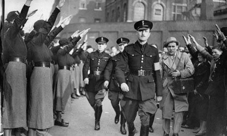oswald-mosley-at-a-fascis-001