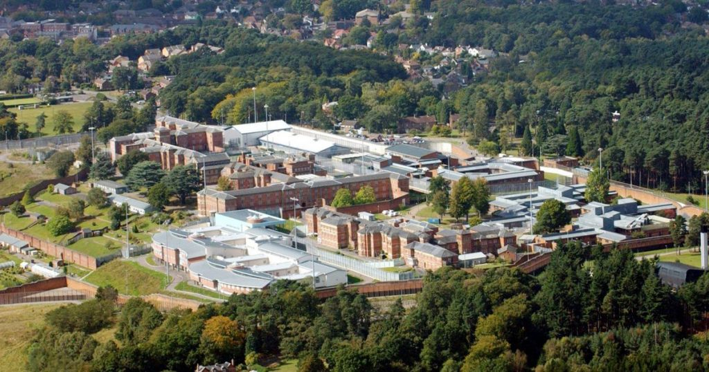 pay-top-security-broadmoor-hospital